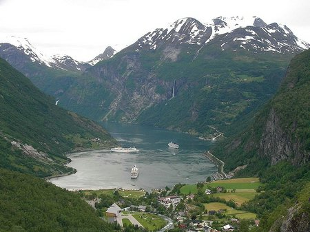 Norweskie Fiordy fot. Wikipedia, FataMorgana