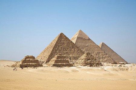 Piramidy w Gizie fot. Ricardo Liberato