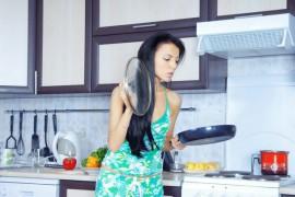 Gospodyni w kuchni