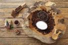 pulizia del corpo maschere fatte in casa a base di caffe per il trattamento del corpo
