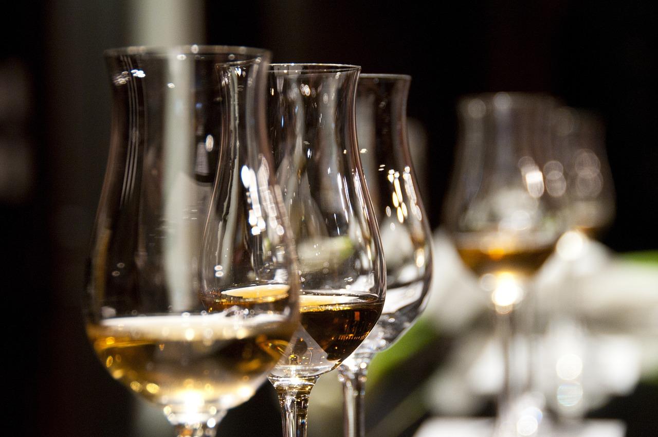 Kieliszki do wina – jak je dobrać