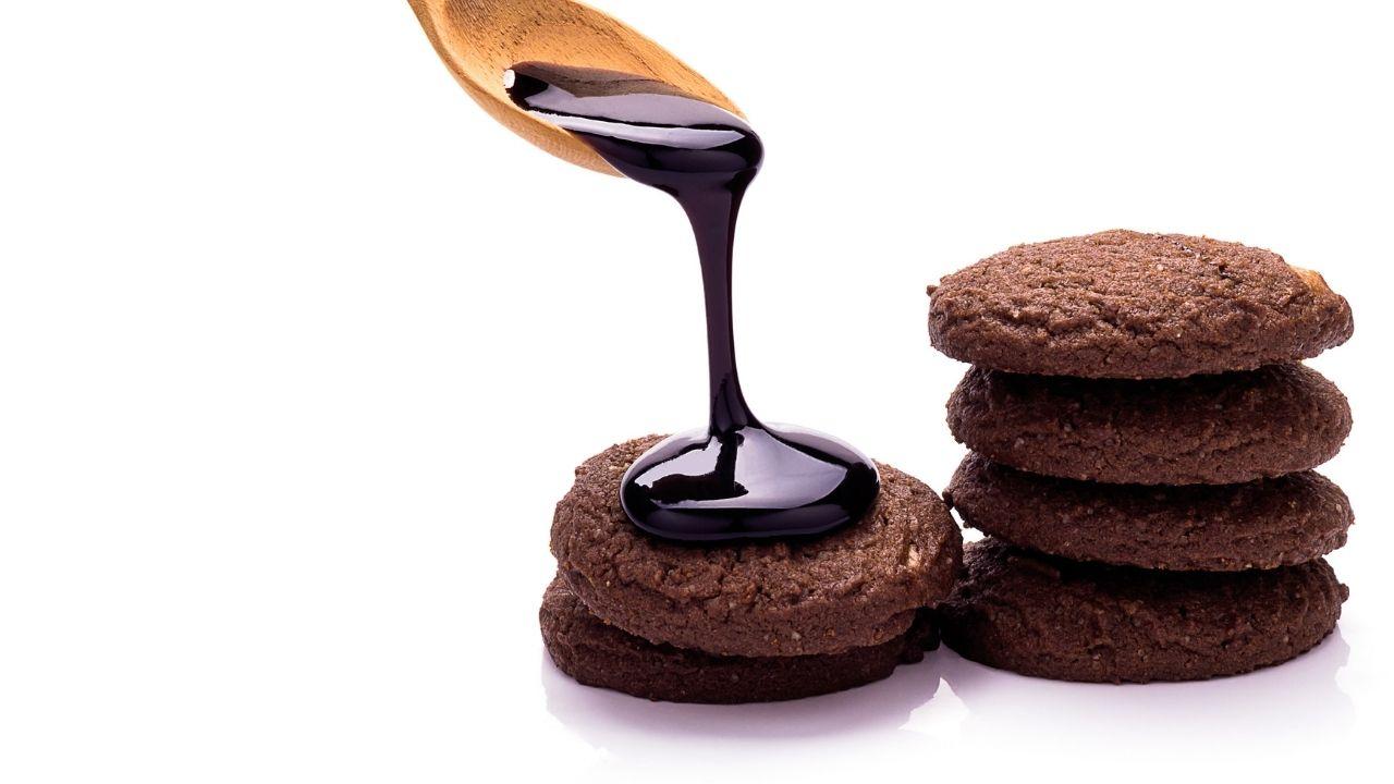 polewa czekoladowa wylewana na ciasteczka