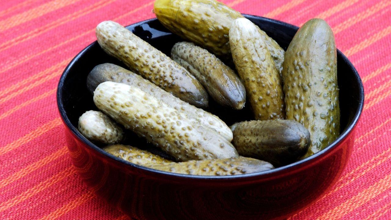 ogórki kiszone na zupę ogórkową
